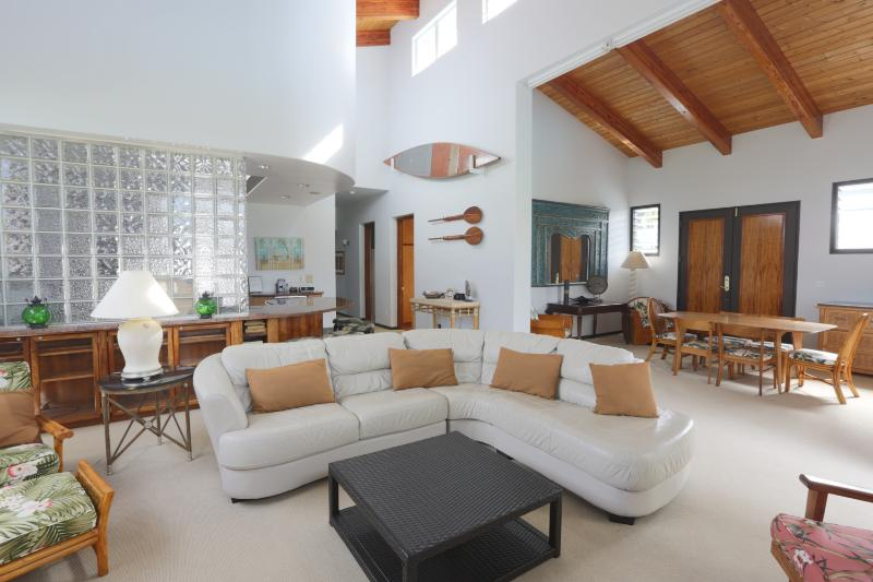 Cozy Seating in the Living area - Spectacular! 30% Off  ALL STAYS THRU 12/12/14! - Kailua - rentals