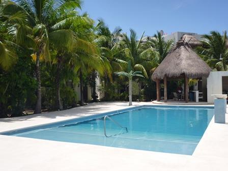 New Pool (August 2012) - Coco Beach Condo w. new POOL close to beach & 5th. - Playa del Carmen - rentals