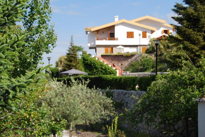 Beautiful villa to enjoy with family and friends - Image 1 - Granada - rentals