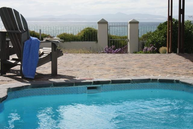 Pool with oceanview - Ocean front Villa, 2-6 bedroom Cliffpath Westcliff - Hermanus - rentals