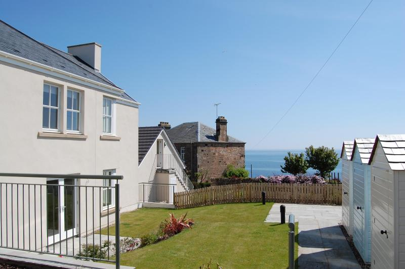 Stylish apartment in Crail with great sea views!! - Image 1 - Crail - rentals