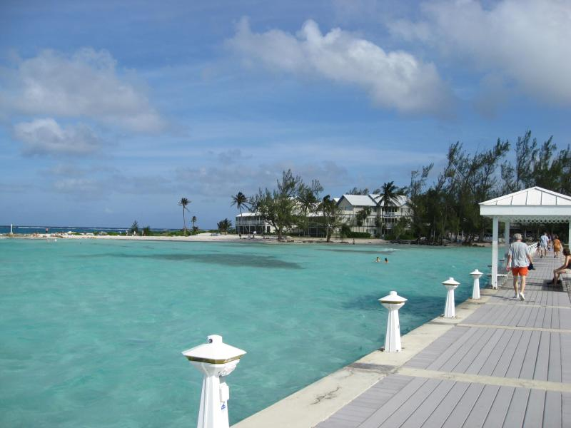Let your worries melt away... - Beachfront - #16 The Retreat at Rum Point - Rum Point - rentals