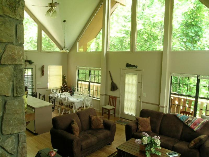 Spacious Great Room - CLOUD NINE - Gatlinburg - rentals