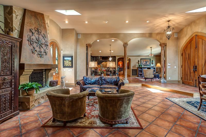 Living Room, Media Room, Dining, Kitchen and Lounge all open for entertaining - Villa Toscana - Tranquil Retreat on 11 acres - Nashville - rentals