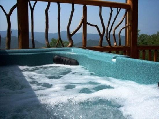 Peace Of the Mountain is Just Minutes to White Water Rafting and Zip Line Canopy Tours - Peace of the Mountain -- Hot Tub, Air Hockey & Billiards at This Real Log Cabin - Bryson City - rentals