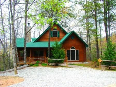 A Brand New Log Cabin in the Mountains - The Chalet at Battle Branch -- Hot Tub, Mountain View, Wooded Seclusion, and Jetted Bath Tub - Bryson City - rentals