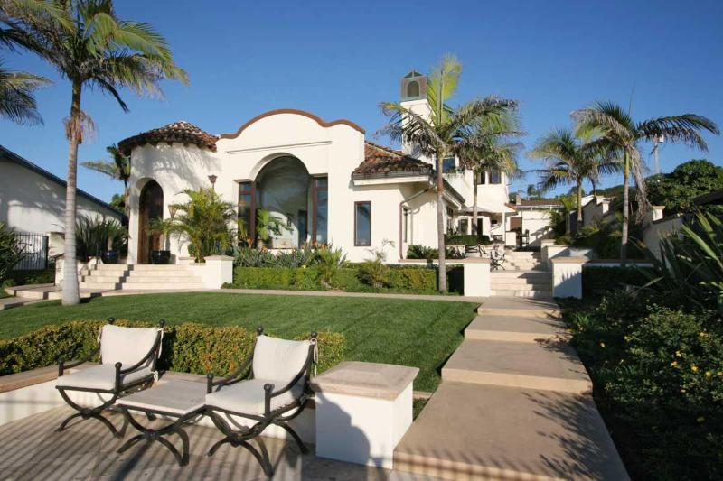 Front of House - Luxury 4 BR Oceanfront Estate on Sunset Cliffs! - San Diego - rentals