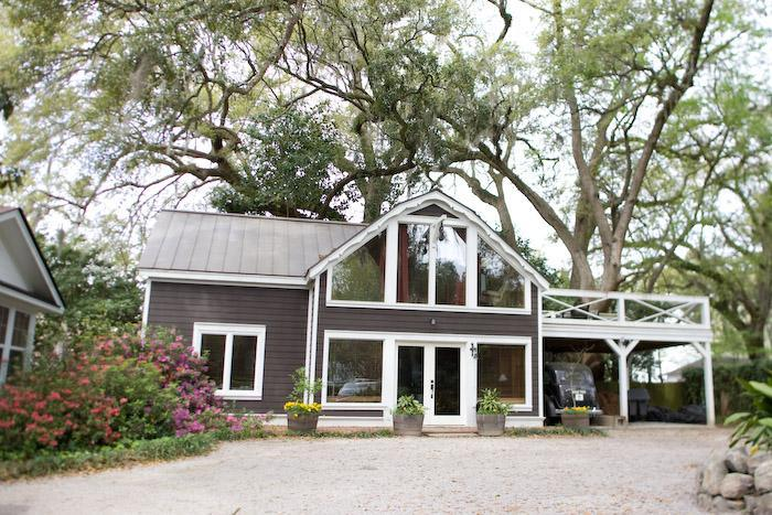 Architecturally fabulous Hay Barn House fully furnished with the latest comforts on historic estate. - Comfortable, unique, historic, furnished rental - Summerville - rentals