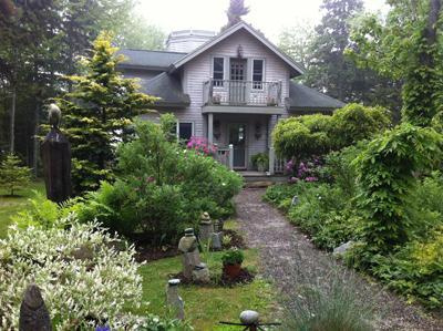 Approaching cottage from driveway - Romantic Ocean View Cottage - Sleeps 8 - Rockland - rentals