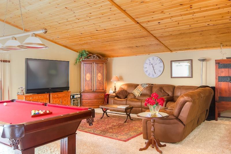 Truckee River Delight-Family Room - Truckee River Delight-Book Summer on the River!!! - Truckee - rentals
