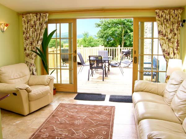 BUZZARDS VIEW, family friendly, luxury holiday cottage, with a garden in Eglwysbach, Ref 13008 - Image 1 - Eglwysbach - rentals