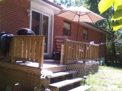 Back Deck with Umbrella and Barbecue - 3 Bedroom Cottage, walk to beach pets ok close to wasaga beach - Collingwood - rentals