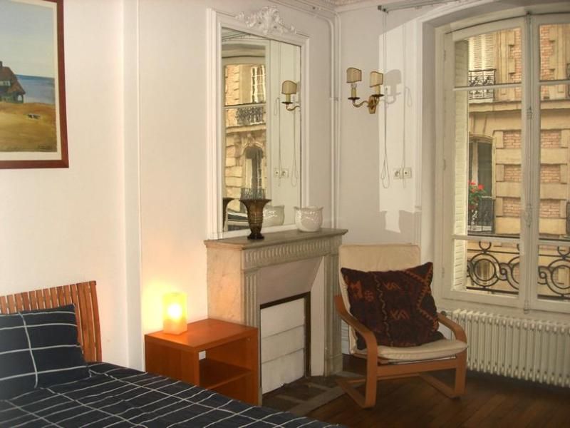 Arlette La Fourche Paris vacation rental for six - Image 1 - 18th Arrondissement Butte-Montmartre - rentals