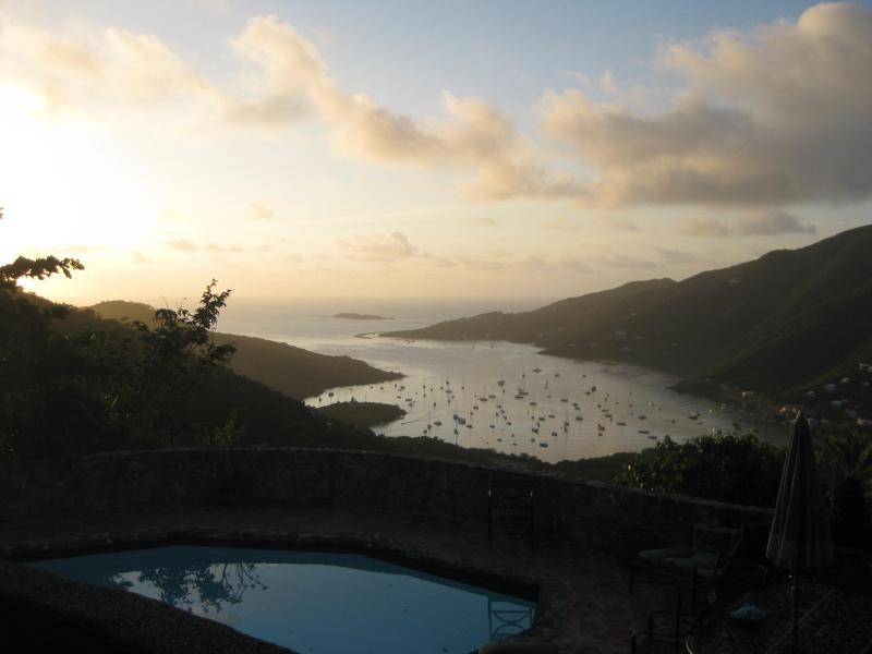 Sun setting - Stonehouse with Pool and Amazing Coral Bay Views - Coral Bay - rentals