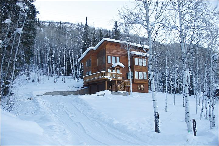 Winter Exterior View - The home is surrounded by mature forest - Pet Friendly Private Home - Borders BLM Forest Land (5893) - Steamboat Springs - rentals