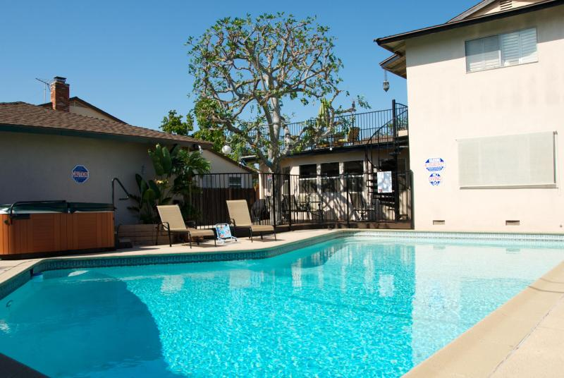 Gated Pool/Spa Area - Castle 1 with 6 Bdrm and 3 bath Pool&Spa, Walk to Disney! - Anaheim - rentals