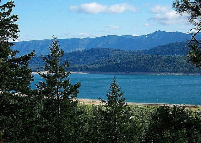 View of Lake Cle Elum! - Get FREE Nights! New, Custom Home overlooking Lake Cle Elum! 4BR/4BA! - Ronald - rentals