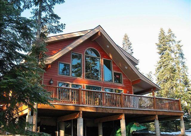 Rocky Mountain Lodge during the Summer! - Custom Cabin in the woods on 6 private acres! 4BR+Loft / 3BA, Sleeps 12! - Cle Elum - rentals