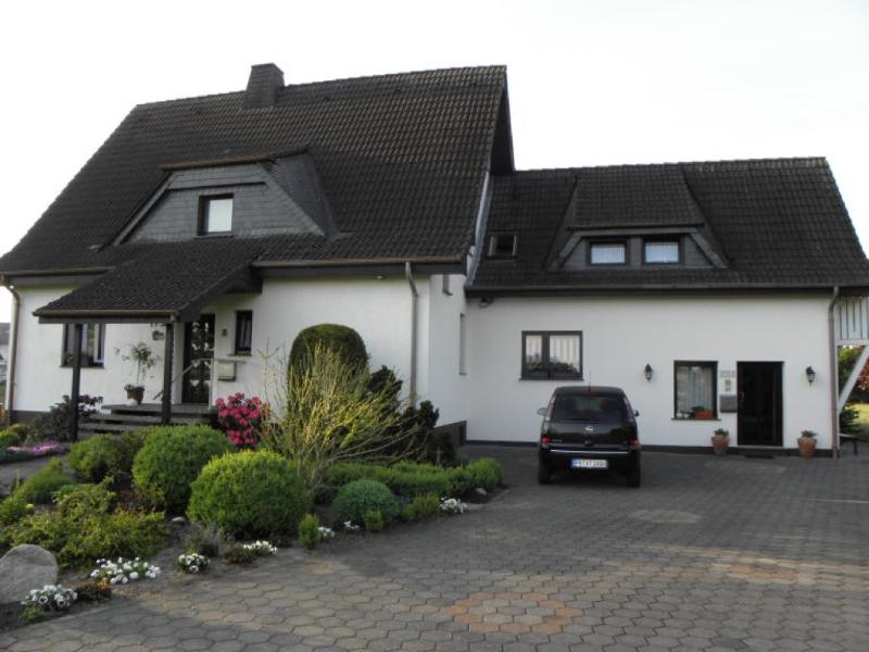 Vacation Apartment in Paderborn - 667 sqft, comfortable, WiFi, big yard (# 2995) #2995 - Vacation Apartment in Paderborn - 667 sqft, comfortable, WiFi, big yard (# 2995) - Paderborn - rentals