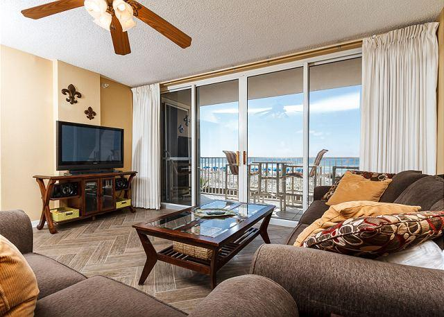 Enjoy this amazing view of the beach right from your condo! - IP 213: Beachfront 2bedroom with WiFi, large HDTV's,free beach service - Fort Walton Beach - rentals