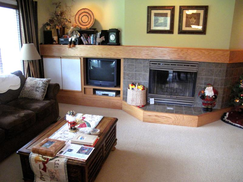 Living Room with wood burning fireplace - Kahler Glen Golf and Ski Resort Condo- 6th Fairway - Plain - rentals