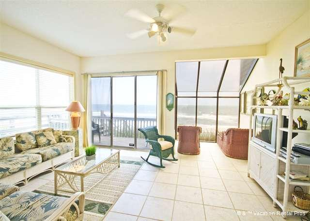 Island Time Beach House comfortably houses six people - Island Time Beach House, Ocean Front on a High Dune - Saint Augustine - rentals
