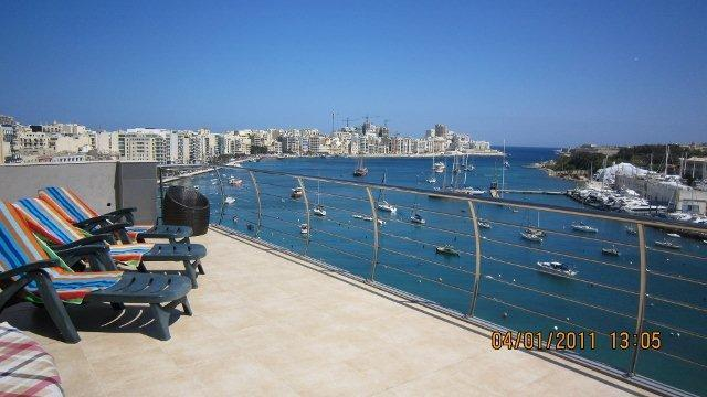 Large surrounding terrace with BBQ and sun loungers - Sliema Seafront Penthouse with pool near beach - Sliema - rentals