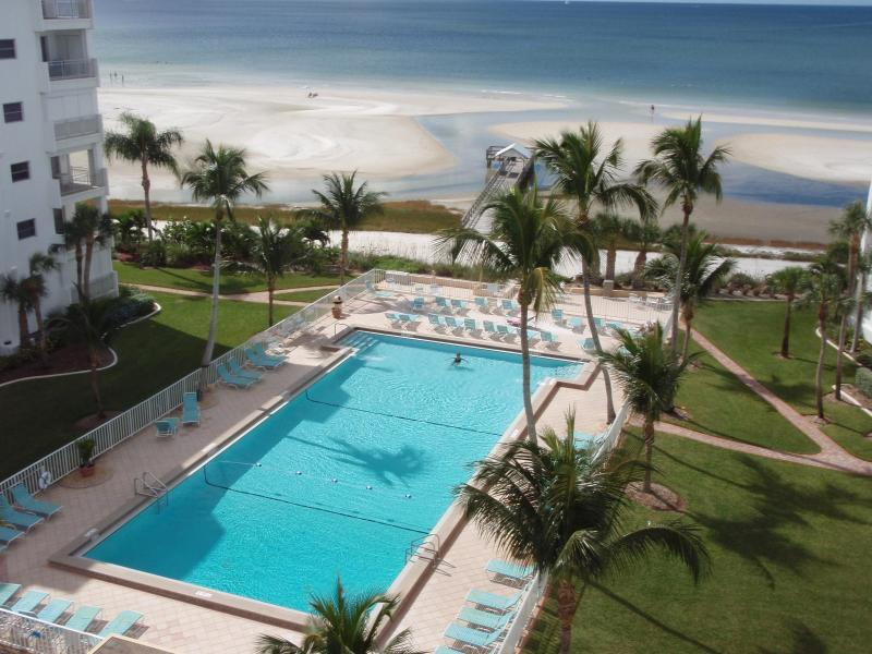 Enjoy the Biggest Pool on the Beach, Free Wi Fi - Image 1 - Fort Myers Beach - rentals