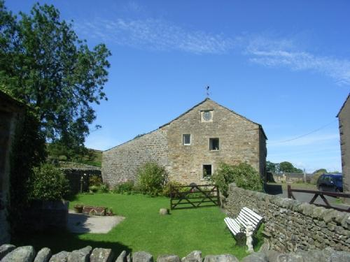 THE OLD GRANARY COTTAGE, Bolton by Bowland, Lancashire - Image 1 - Bolton by Bowland - rentals