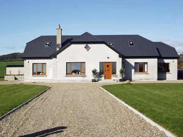 KILMICHAEL, pet friendly, country holiday cottage, with a garden in Gorey, County Wexford, Ref 12530 - Image 1 - Gorey - rentals