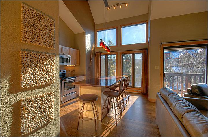 The Gorgeous Living Area - One Bedroom Plus Loft - Ski in/ 50 Yards to Snowflake Lift (13131) - Breckenridge - rentals