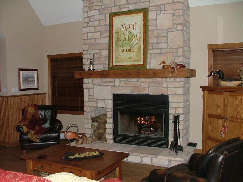 Living room - Tremblant 3BR Deluxe professionaly decorated condo - Mont Tremblant - rentals