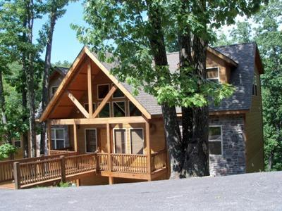 Front of our 5BR Lodge on a beautiful Wooded Lot - 5BR 5BA Luxury Lodge- Best in Branson - Branson - rentals