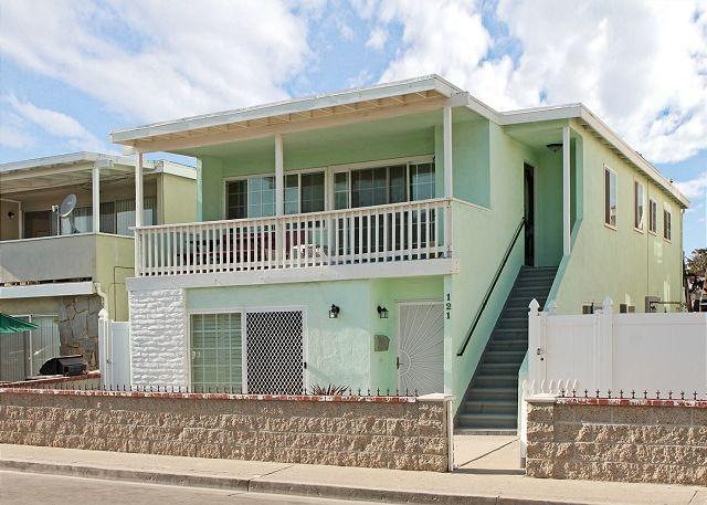 Exterior - Great 3 Bedroom Lower Duplex that's Just 4 Houses From Ocean! (68286) - Newport Beach - rentals