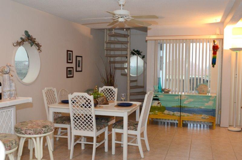 Enjoy the spacious dining and bar area - 2 Bedroom Condo Bay Side - South Padre Island - rentals