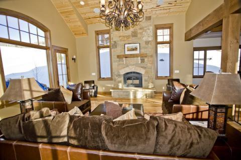 Lots of great light in the living room! - $695/nt for 5+ nights! Luxury! Hot Tub! Slps 13! - Crested Butte - rentals