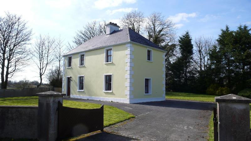 Farmhouse Holiday Vacation Cottage Co Mayo Ireland - Image 1 - Claremorris - rentals