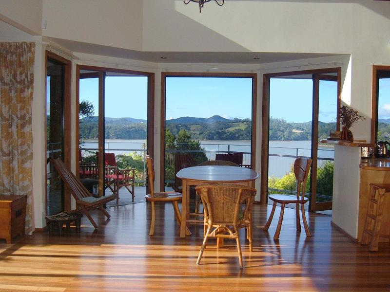 Dining Area - Beautiful Holiday Home Bay of Islands New Zealand - Opua - rentals