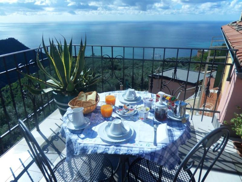 Breakfast with sea view - B&B Il Vigneto - Rooms with sea view in 5 Terre - Manarola - rentals