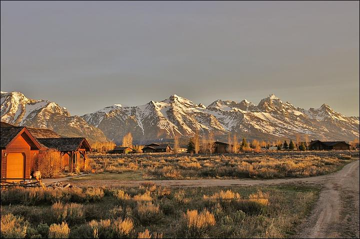 The home at Sunrise showing the Amazing View of the Tetons. - Very Close to National Parks - Perfect For 1 to 3 Families (2104) - Jackson - rentals