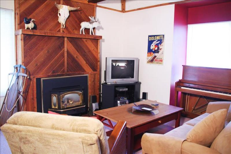 Hidden Creek 9A2: One of our Most Affordable Vacation Rentals Keeps You Under Budget and close to the Canyons Ski Resort - Image 1 - Park City - rentals