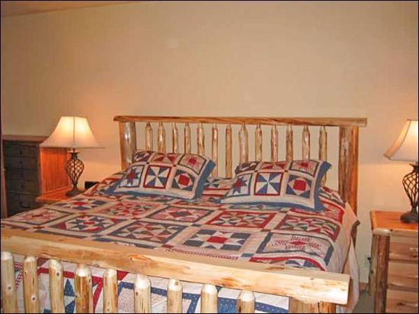 Master Bedroom - Close to Dollar Mountain - Great Amenities (1051) - Sun Valley - rentals
