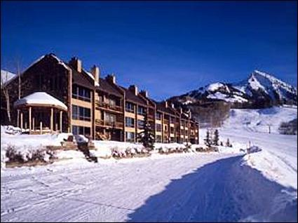 Great Ski-In/Ski-Out Location - Cozy Condo at a Great Price - Fantastic Evening Views of Town Lights (1013) - Crested Butte - rentals