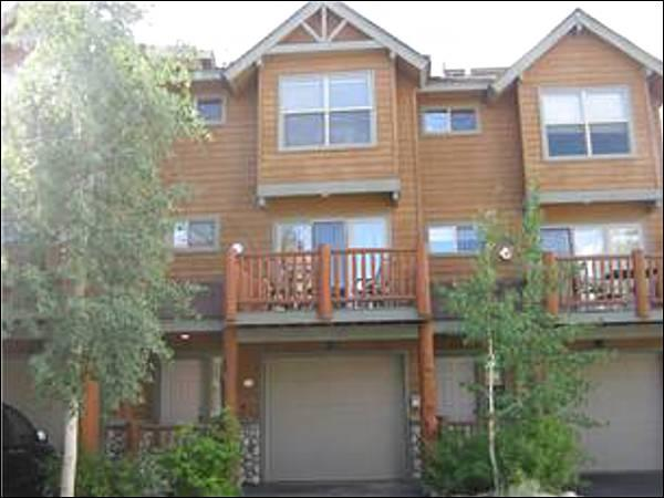 Sawmill Station Townhome - Behind Hideaway Park - Easy Access to Restaurants and Shopping (5020) - Winter Park - rentals