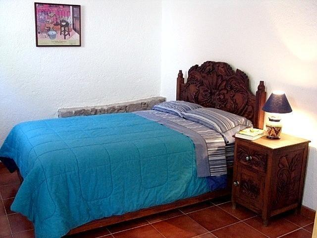 Quiet, bargain-priced Garden Apartment La Presa - Image 1 - Guanajuato - rentals