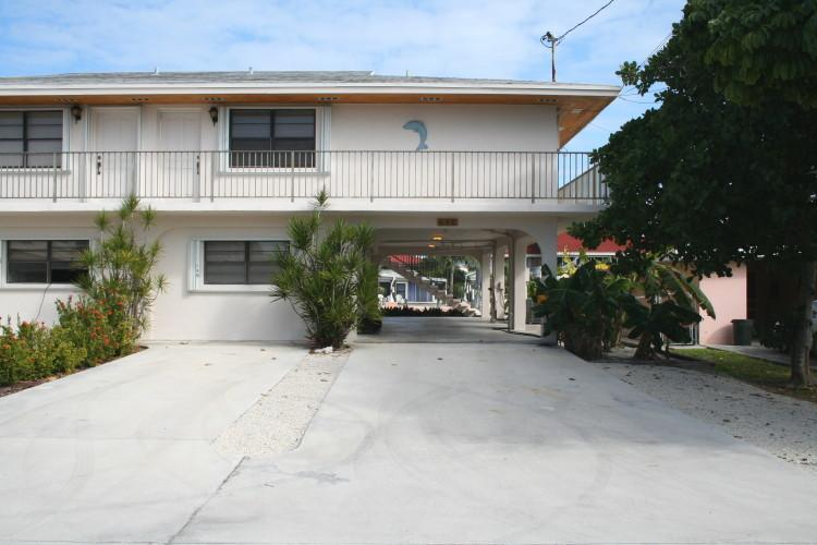 Front of house/parking - Key Pad, 3 Bedroom 2 Baths Unit 88 - Key Colony Beach - rentals