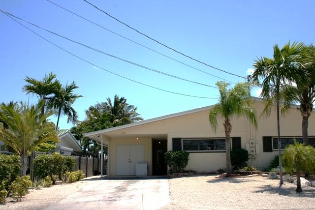 Front of house - Keys Salt Life, 3 bedrooms and 3.5 baths, Unit 56 - Key Colony Beach - rentals