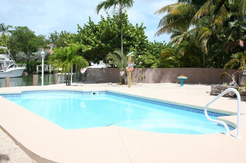 Pool over looking canal - Breezy Palms, 3 Bedroom, 2 Bath with pool 120 - Key Colony Beach - rentals