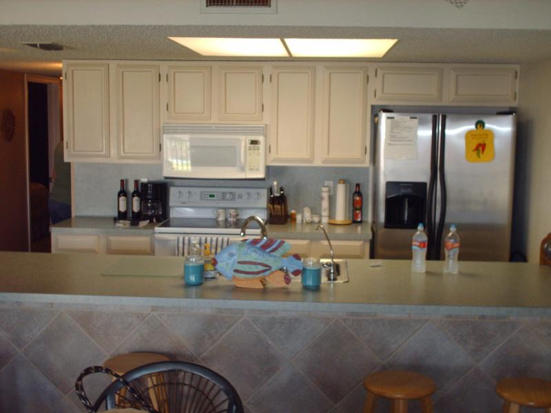 kitchen - 2 bed condo  close to beach  So. Pardre Island, Tx - Port Isabel - rentals
