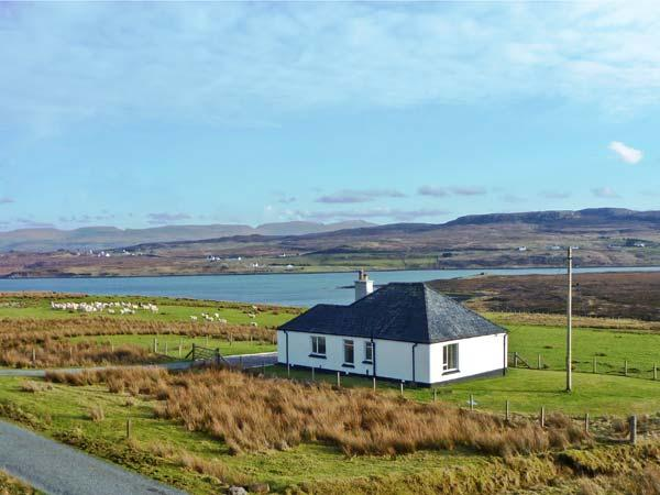 FLORIN COTTAGE, pet friendly, country holiday cottage, with a garden in Dunvegan, Isle Of Skye, Ref 11384 - Image 1 - Dunvegan - rentals